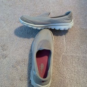 Shoesslip on tennis shoes with memory foam
